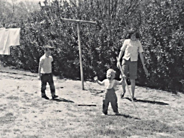 1966 Hawthorne St in Tucson - Cindy, Dave and Steve -- First Steps!  Happy boy